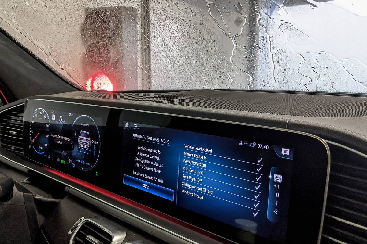 2020 Mercedes-Benz GLS 580 center stack display screen with Car Wash Mode