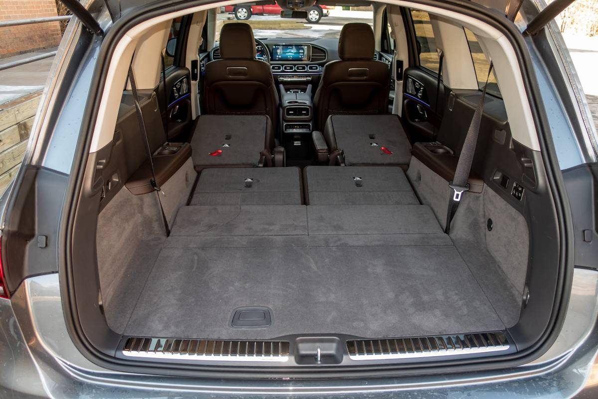 2020 Mercedes-Benz GLS450 rear cargo with seats down