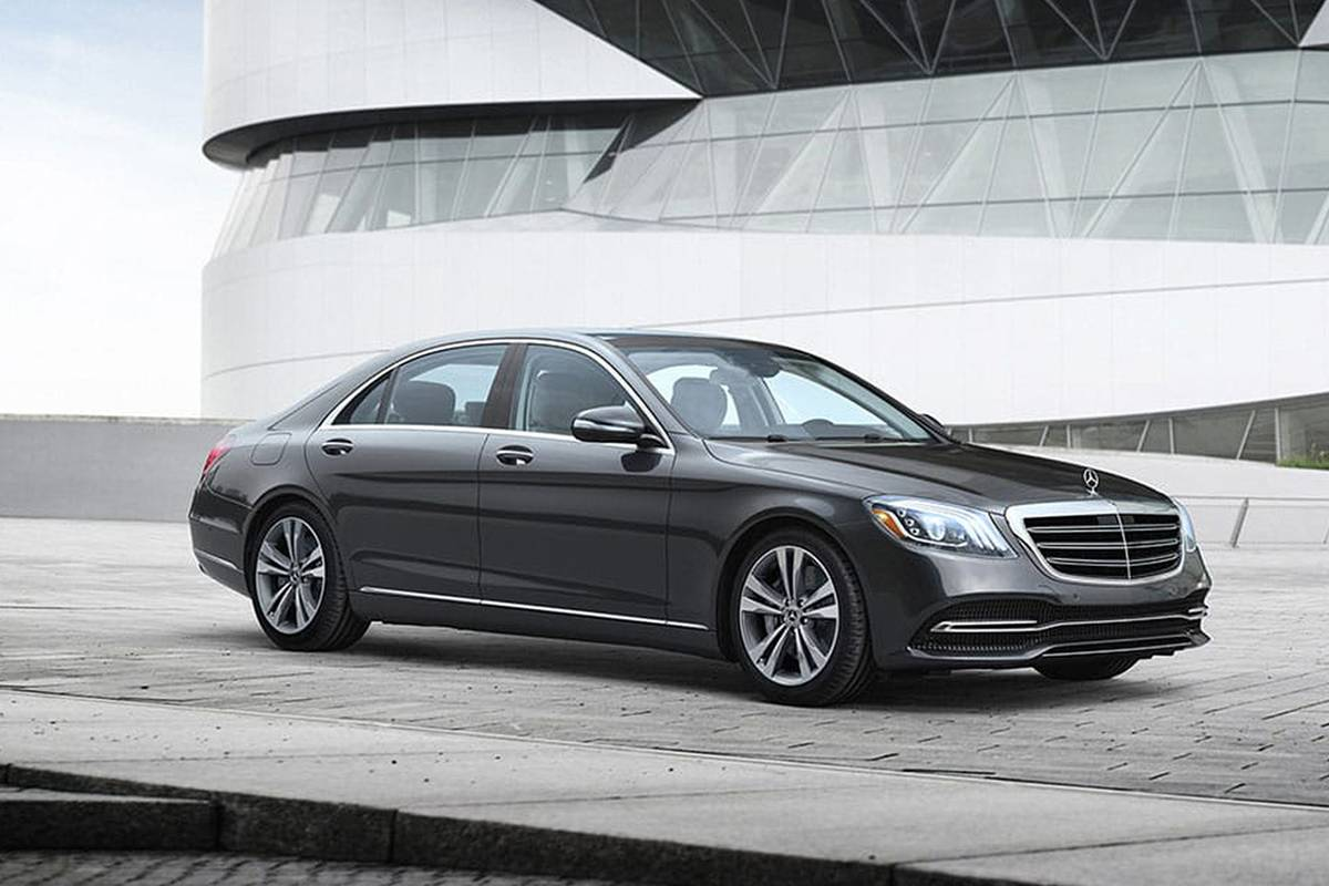 mercedes-benz-s-class-2020-01-angle--black--exterior--front--urban.jpg