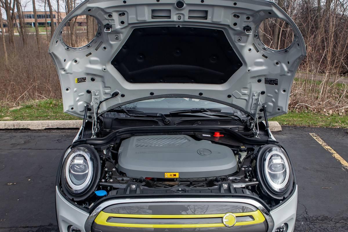 mini-cooper-se-electric-2020-10-engine--exterior--silver.jpg