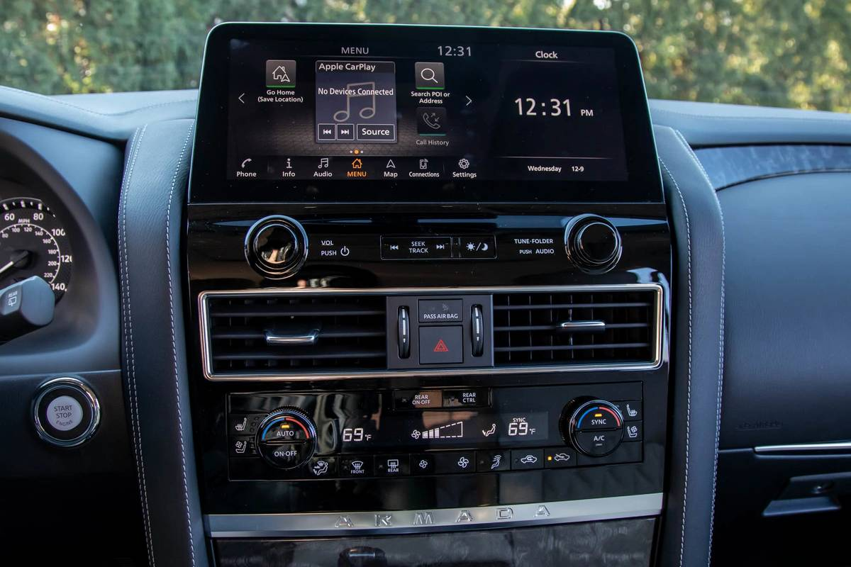 2021 Nissan Armada touchscreen and climate control