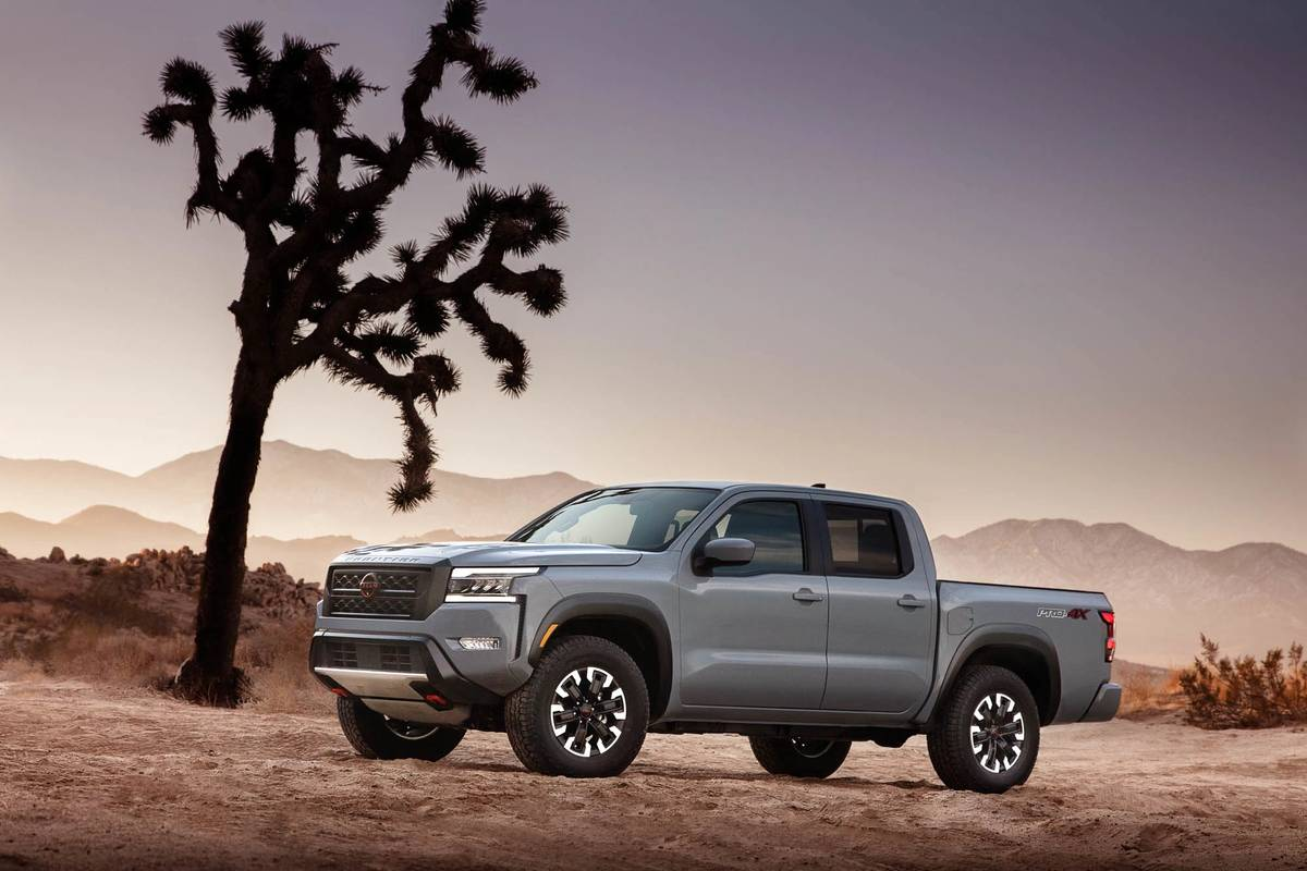 2022 Nissan Frontier Gets Major Update, Keeps Its Tidy Dimensions