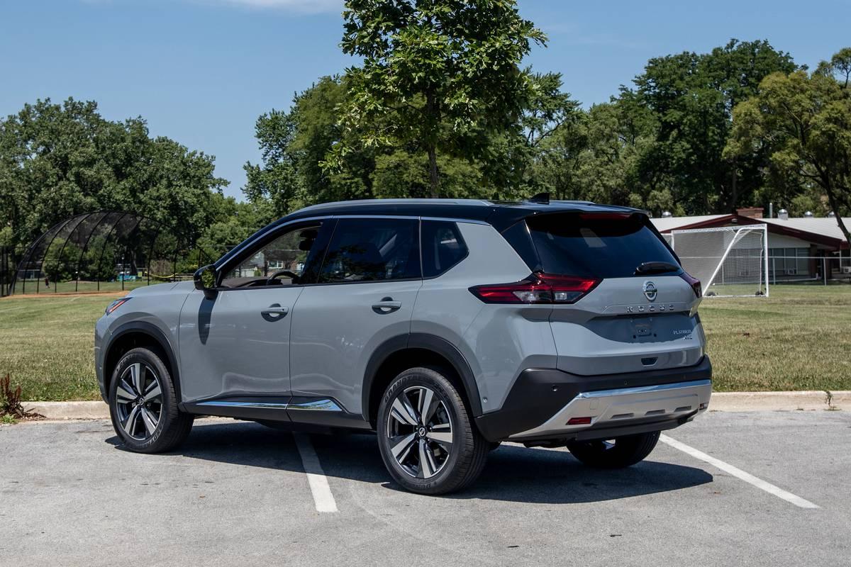 2021 nissan rogue adds pricey platinum trim, bumps up