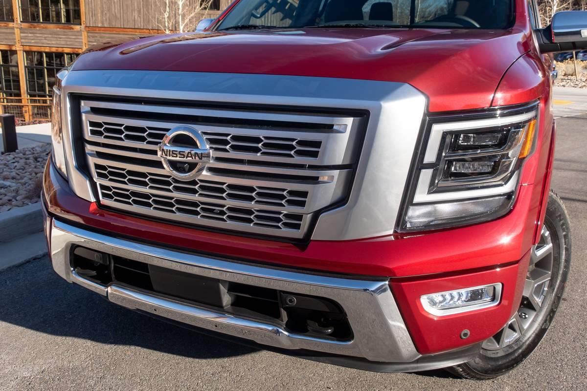 nissan-titan-2020-02-exterior--front--grille--red.jpg