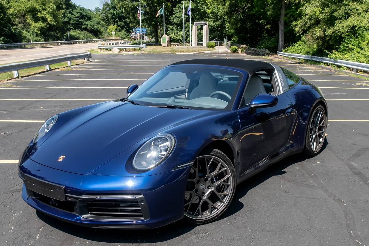 2021 Porsche 911 Targa 4 7 Pros And 3 Cons News Cars Com
