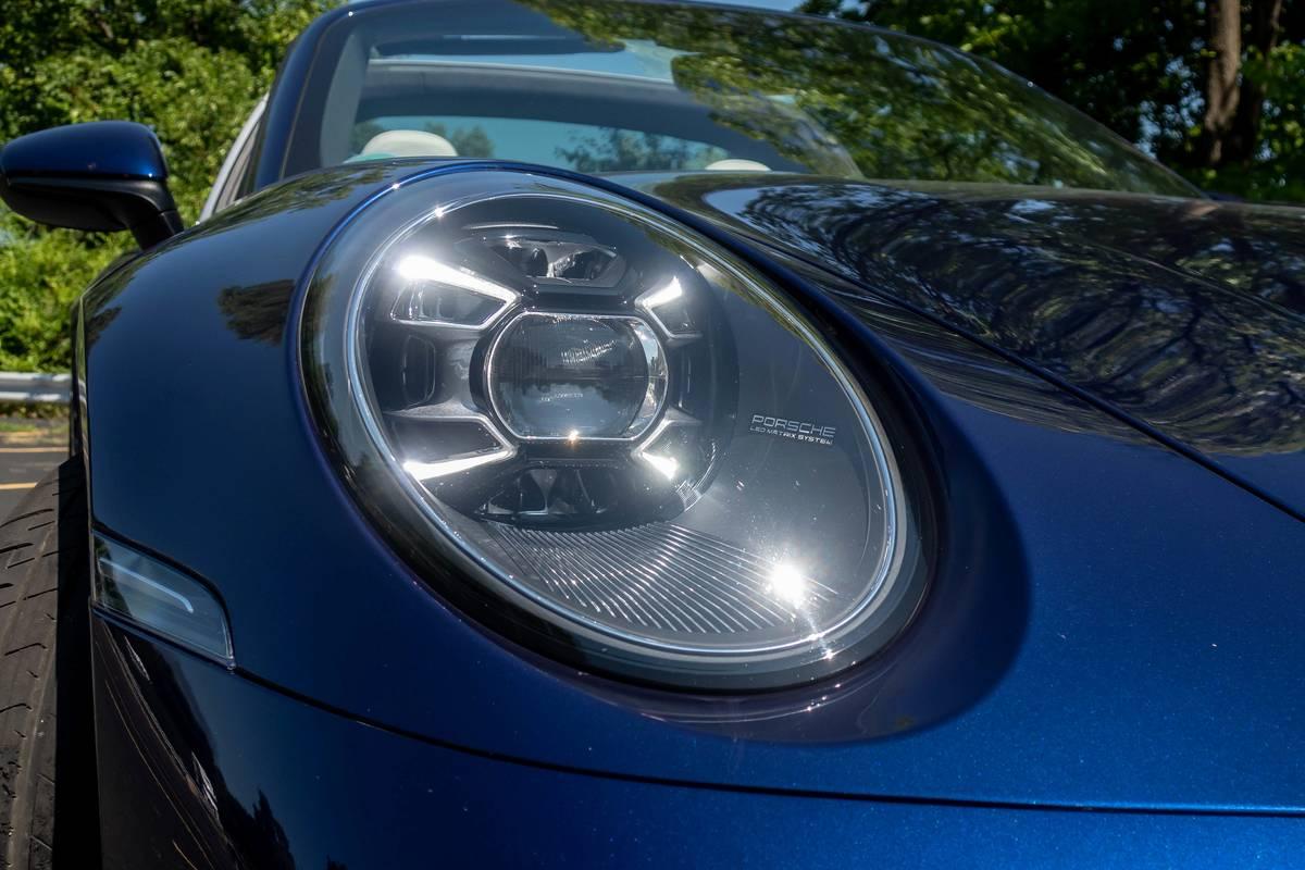 2021 Porsche 911 Targa 4 headlight