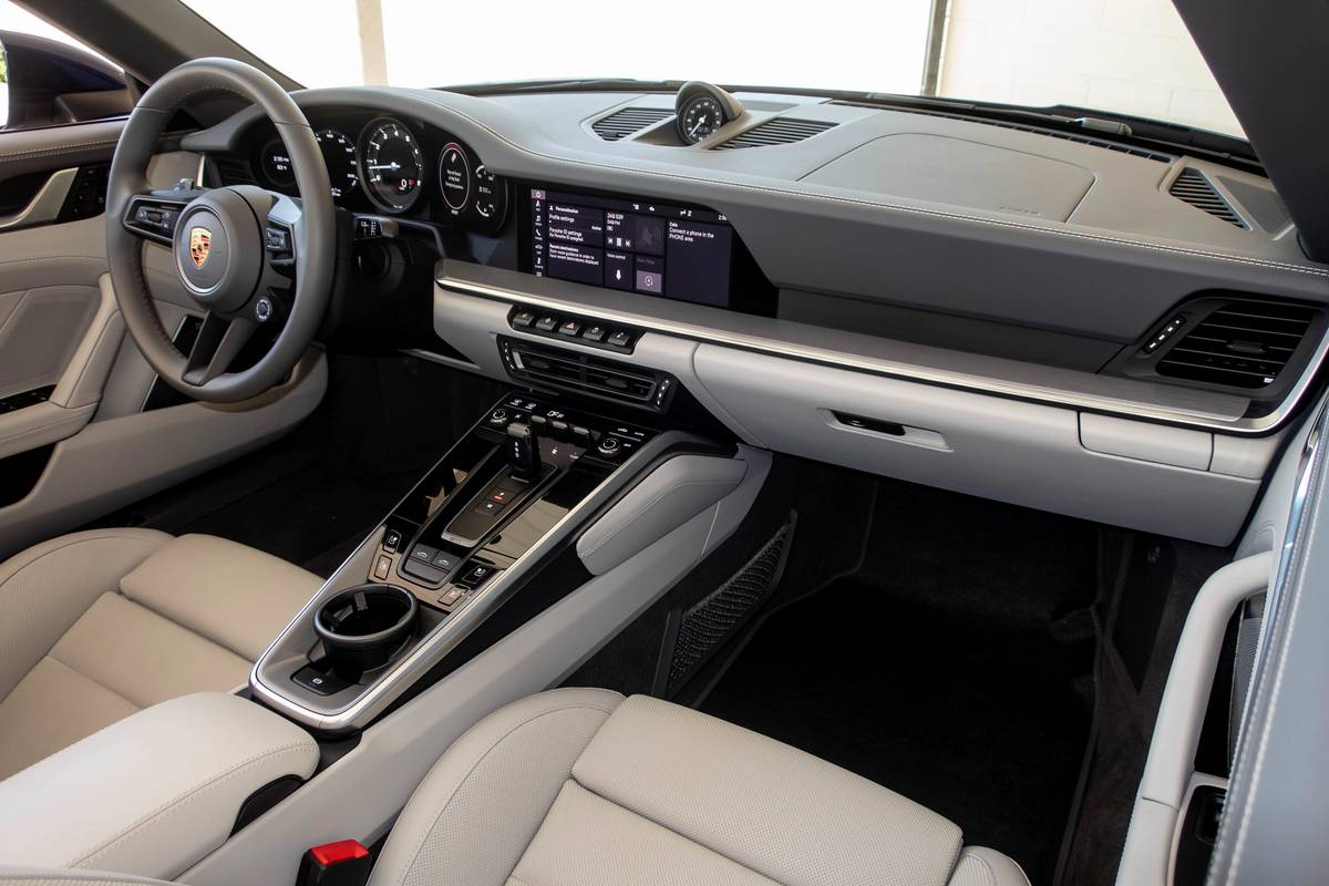 2021 Porsche 911 Targa 4 dashboard