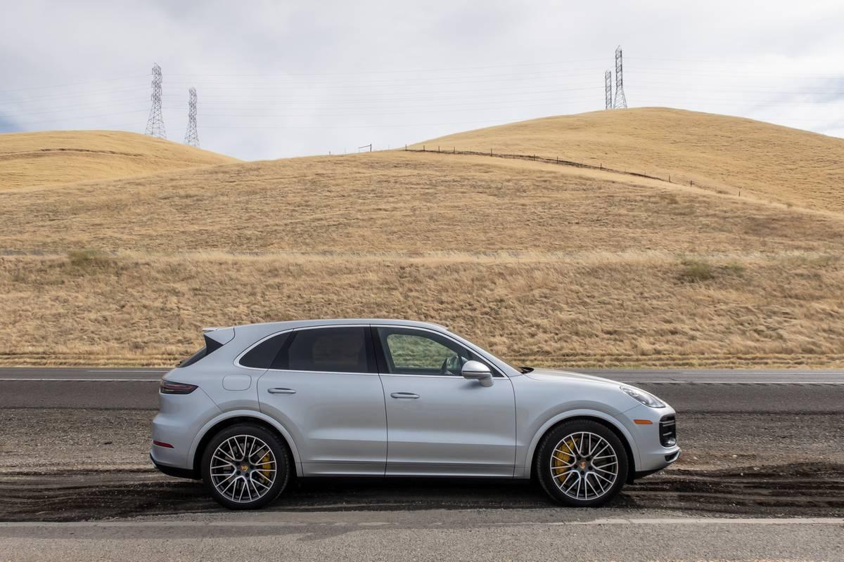 porsche-cayenne-turbo-2019-01-exterior--profile--silver.jpg