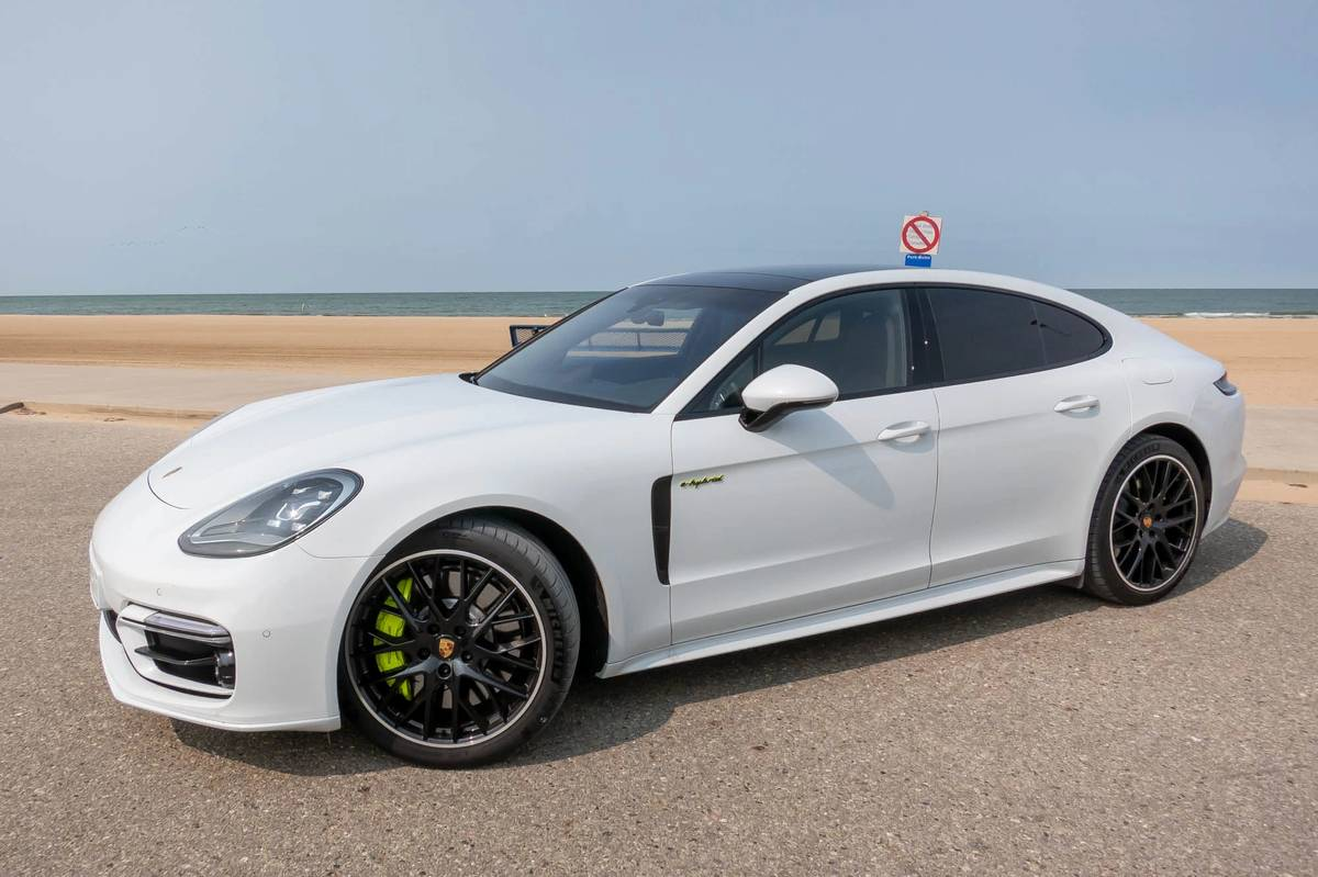 2021 Porsche Panamera 4s E Hybrid 7 Things We Like And 3 We Don T News Cars Com Research the 2020 porsche panamera with our expert reviews and ratings. 2021 porsche panamera 4s e hybrid 7