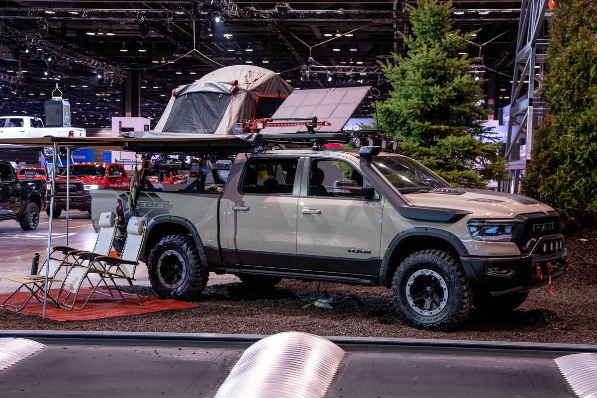 ram-1500-rebel-otg-Concept--1-angle--exterior--front.jpg