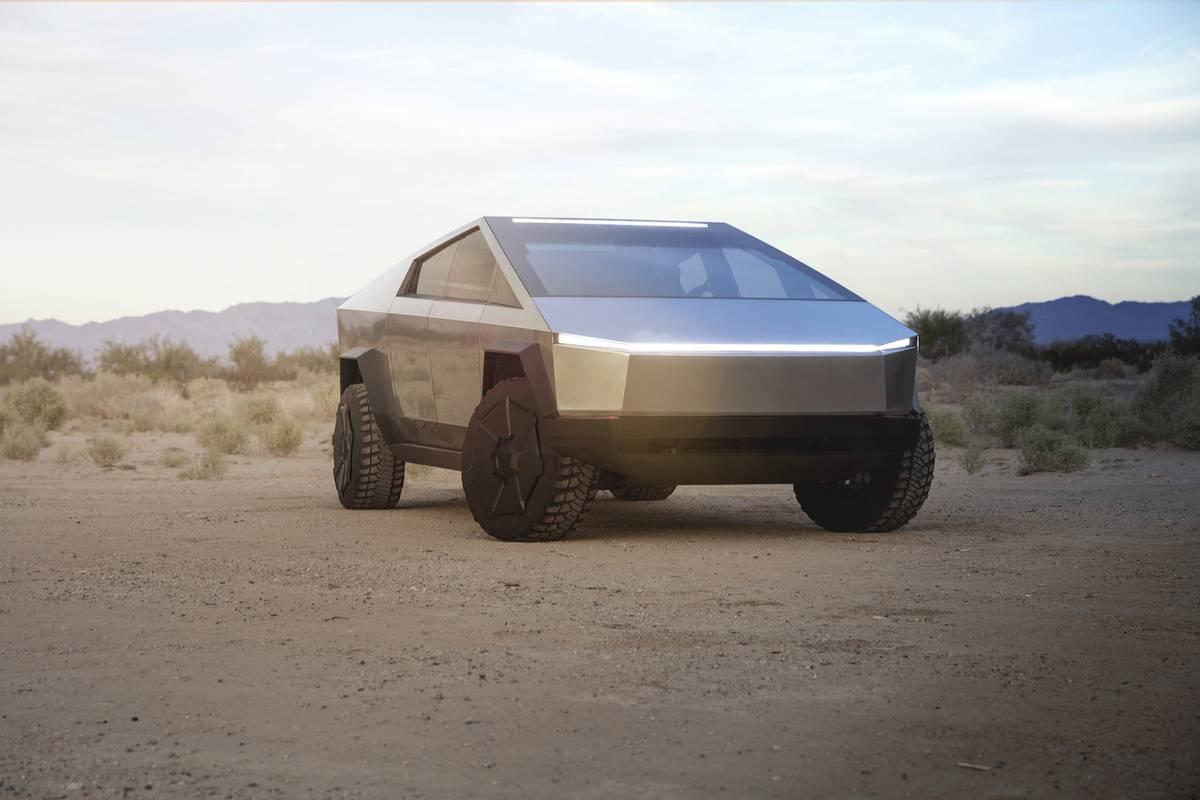 tesla-cybertruck-exterior-desert-silver-01