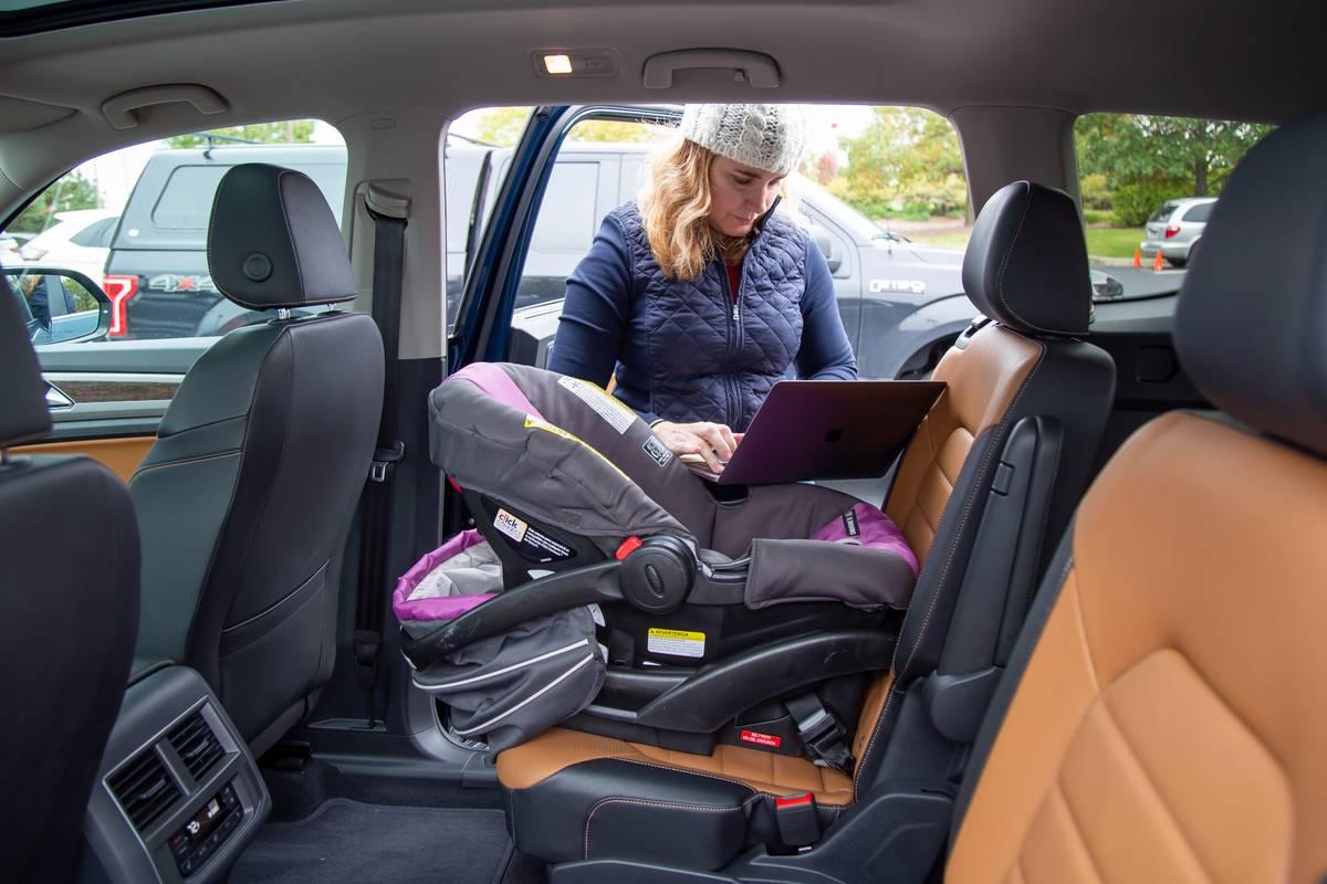 How Do Car Seats Fit in a 2020 Volkswagen Atlas?