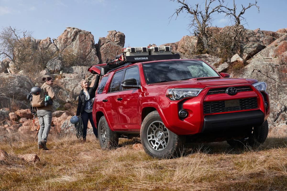 toyota-4runner-venture-edition-2020-06-angle--exterior--front--off-road--red.jpg
