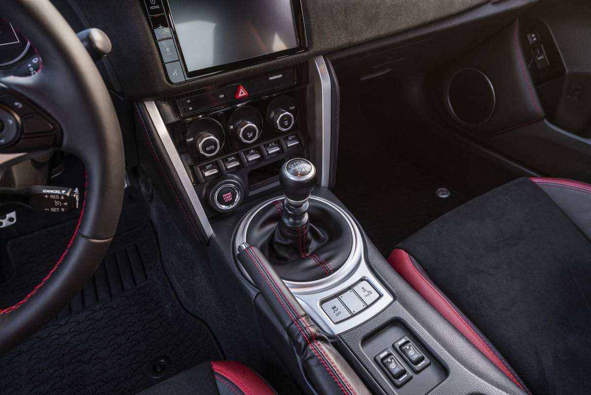 Why Manual Transmissions Are Dying And What Ll End Them For Good News Cars Com
