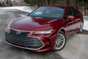 2021 Toyota Avalon Hybrid Review: Big, Classy Efficiency