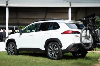 10 Biggest News Stories of the Week: Toyota Corolla Cross Crosses Over Volkswagen Taos