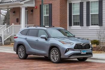 Toyota Highlander: Which Should You Buy, 2020 or 2021?