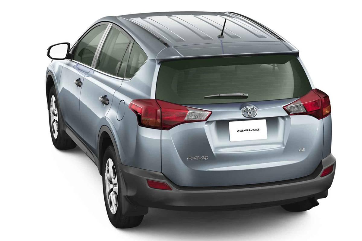 toyota-rav4-2015-exterior-rear-oem