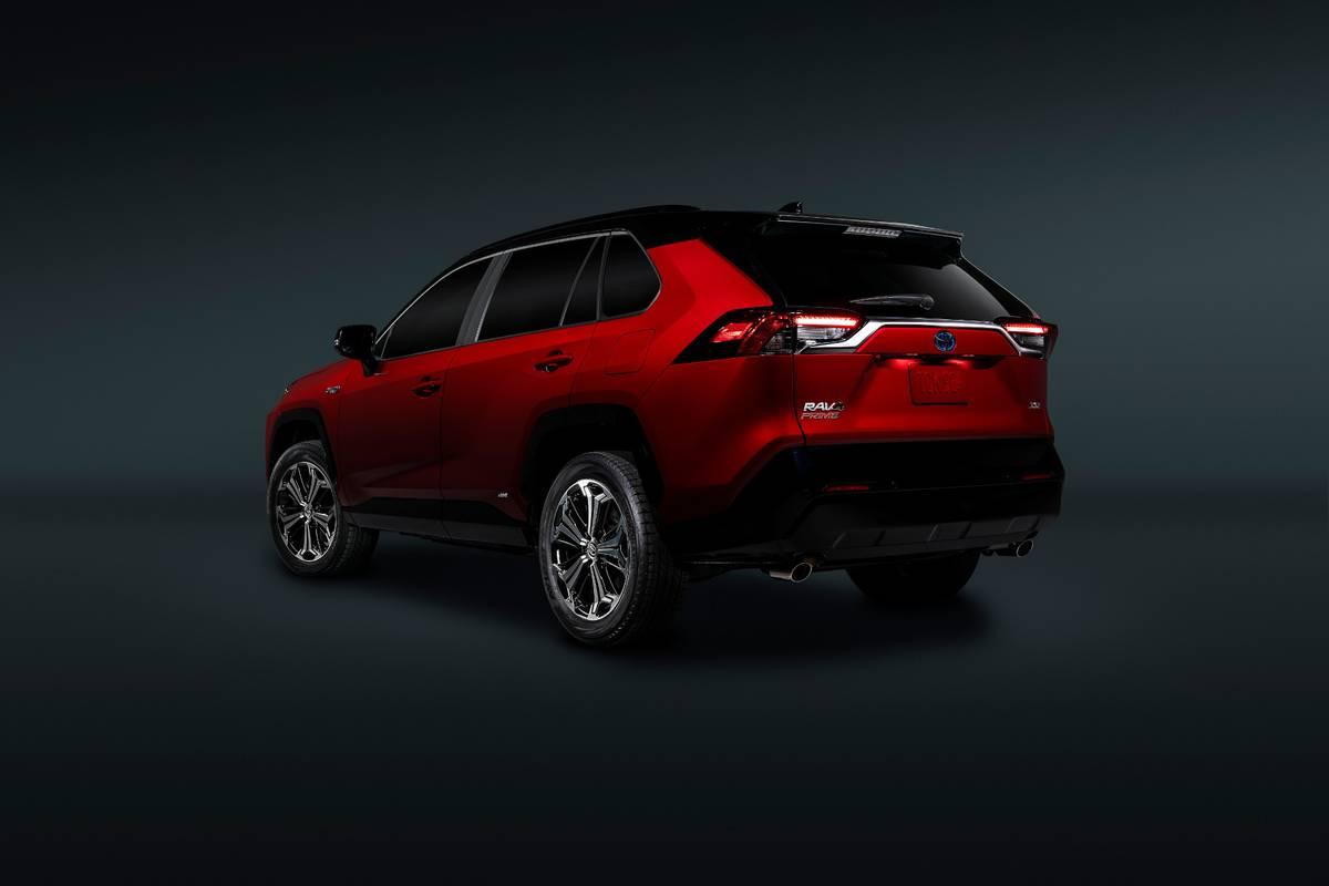 toyota-rav4-2021-05-angle--exterior--rear--red.jpg