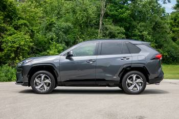 Toyota RAV4: Which Should You Buy, 2020 or 2021?