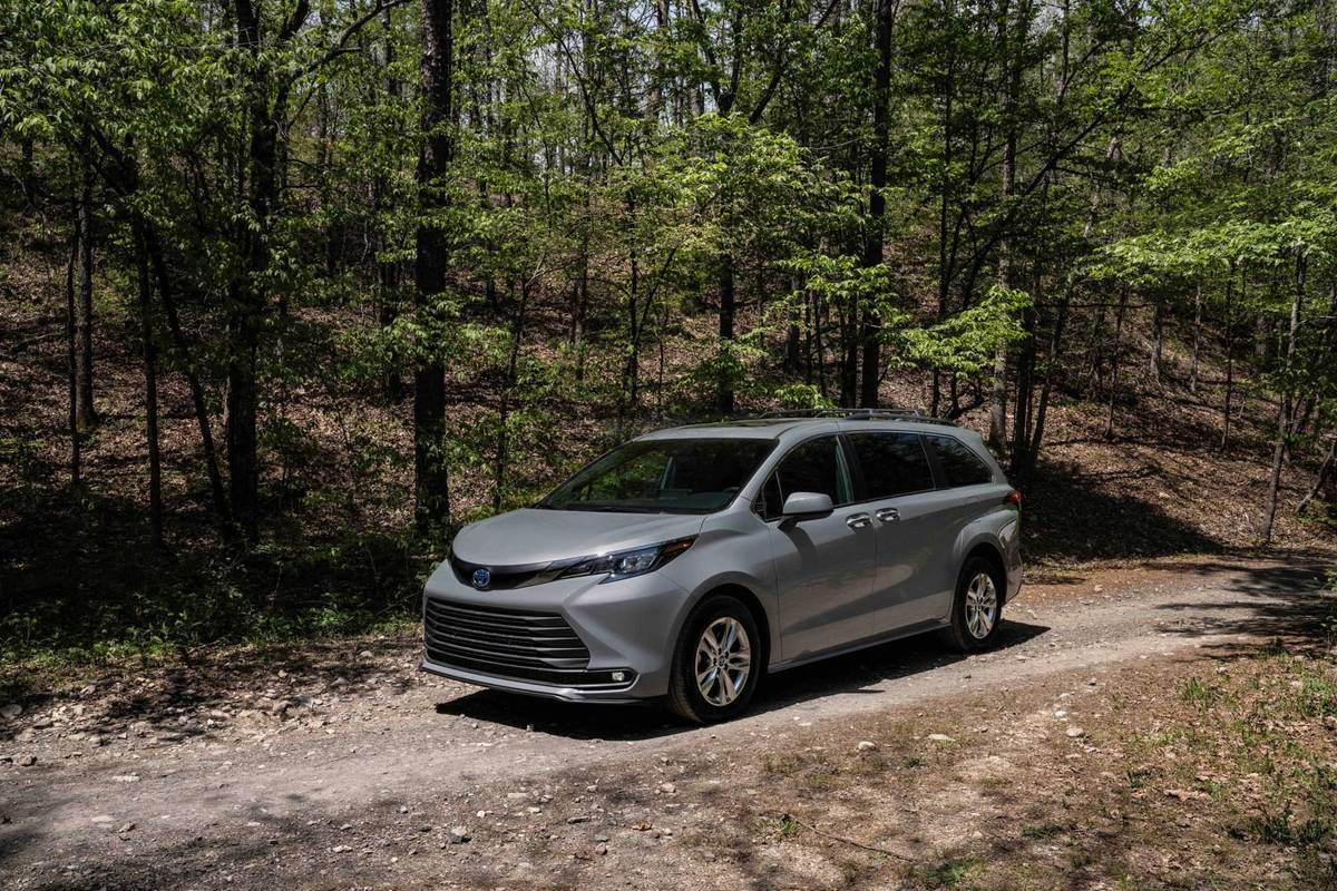 Toyota Confuses Us With the 2022 Toyota Sienna Woodland Special Edition