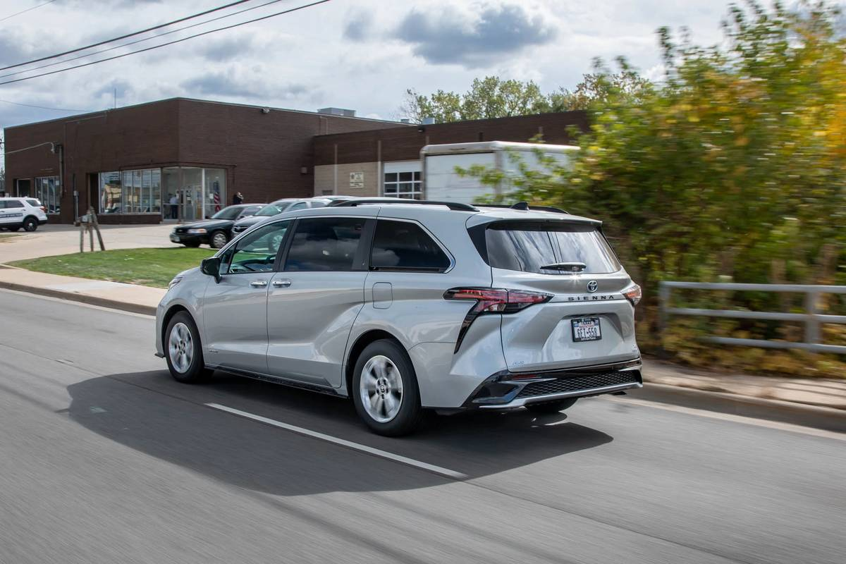 2021 toyota sienna review a strange brew news cars com 2021 toyota sienna review a strange