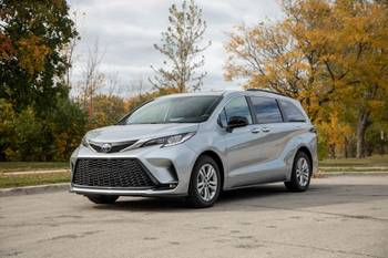How Do Car Seats Fit in a 2021 Toyota Sienna?
