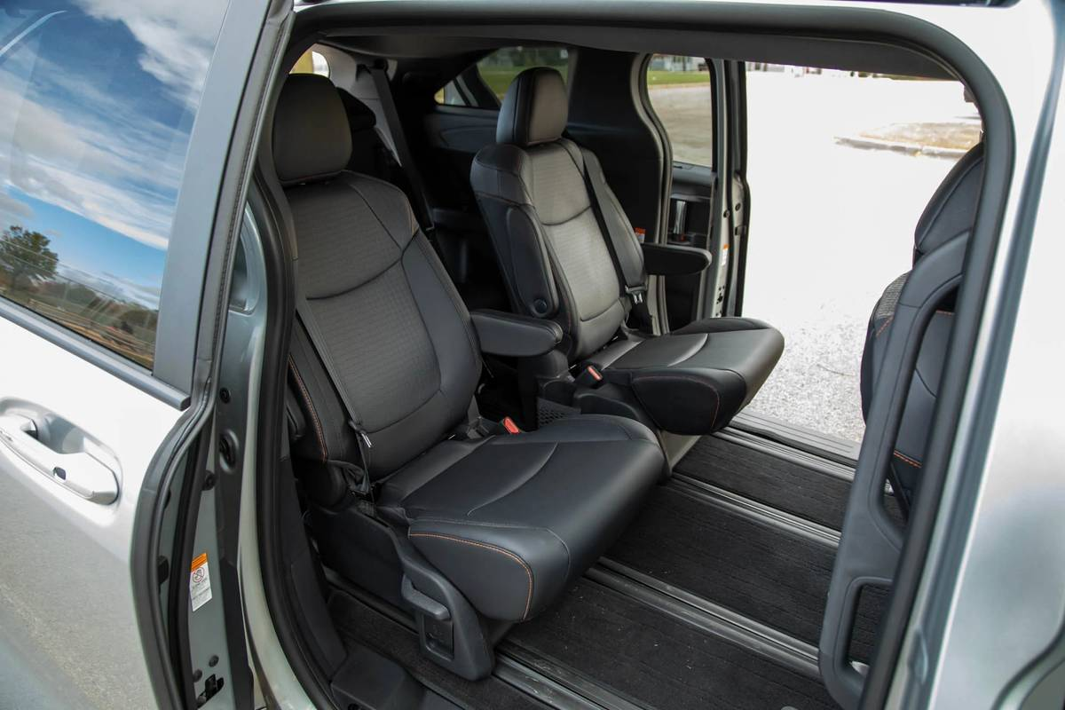 2021 Toyota Sienna XSE second-row seats