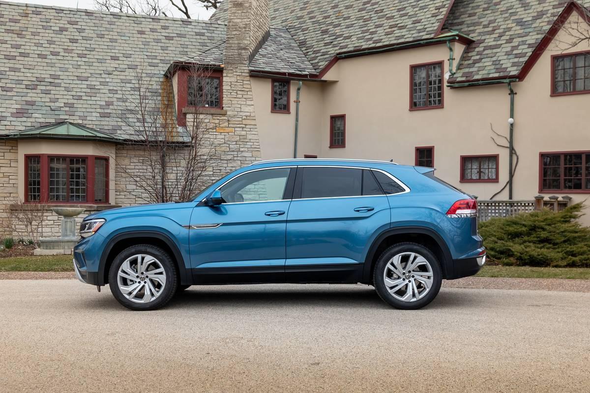 2020 Volkswagen Atlas Cross Sport Specs Price Mpg Reviews Cars Com