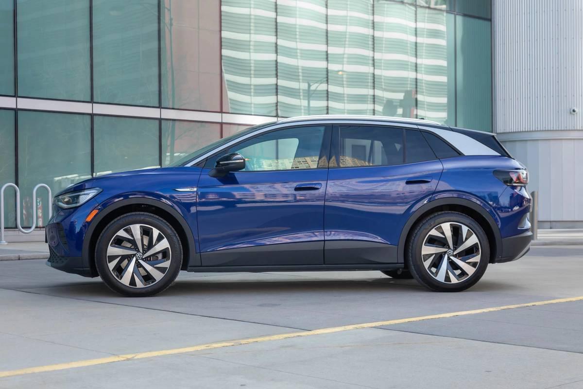 volkswagen-id4-1st-edition-2021-04-blue--exterior--profile.jpg