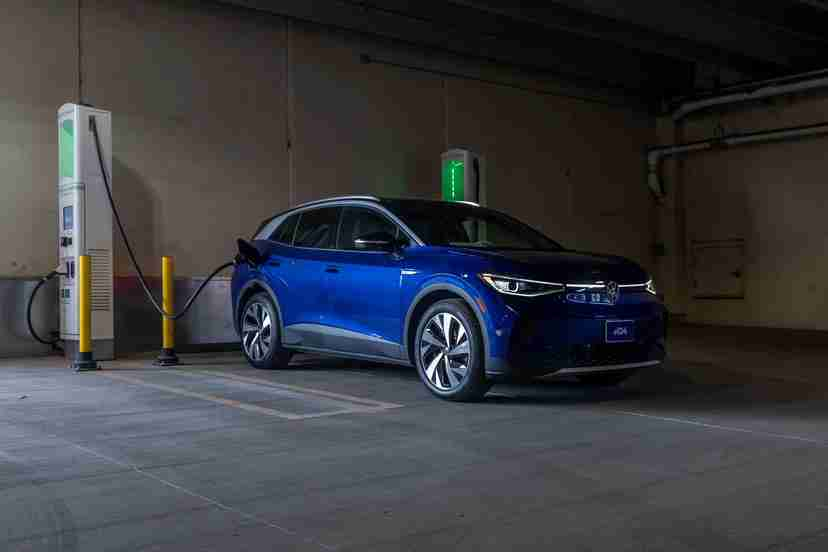 volkswagen-id4-1st-edition-2021-66-angle--blue--charging--exterior--front.jpg