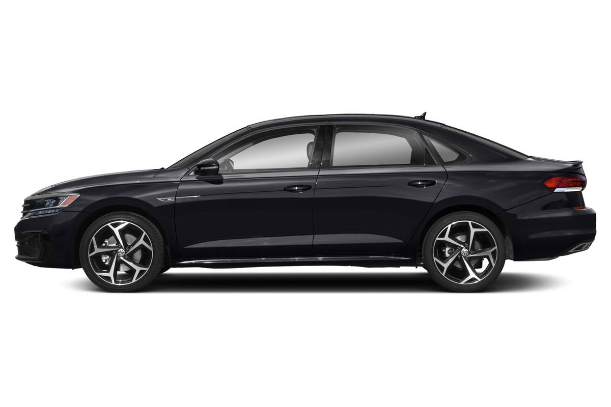 Black 2020 Volkswagen Passat side view