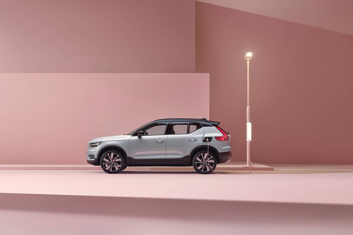 Volvo Will Charge $55K for Its All-Electric XC40 Recharge | News from Cars.com