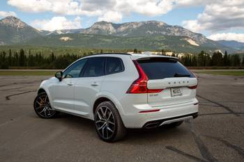 Volvo and Hyundai Are Tops, Tesla Not Too Shabby in J.D. Power Tech Survey