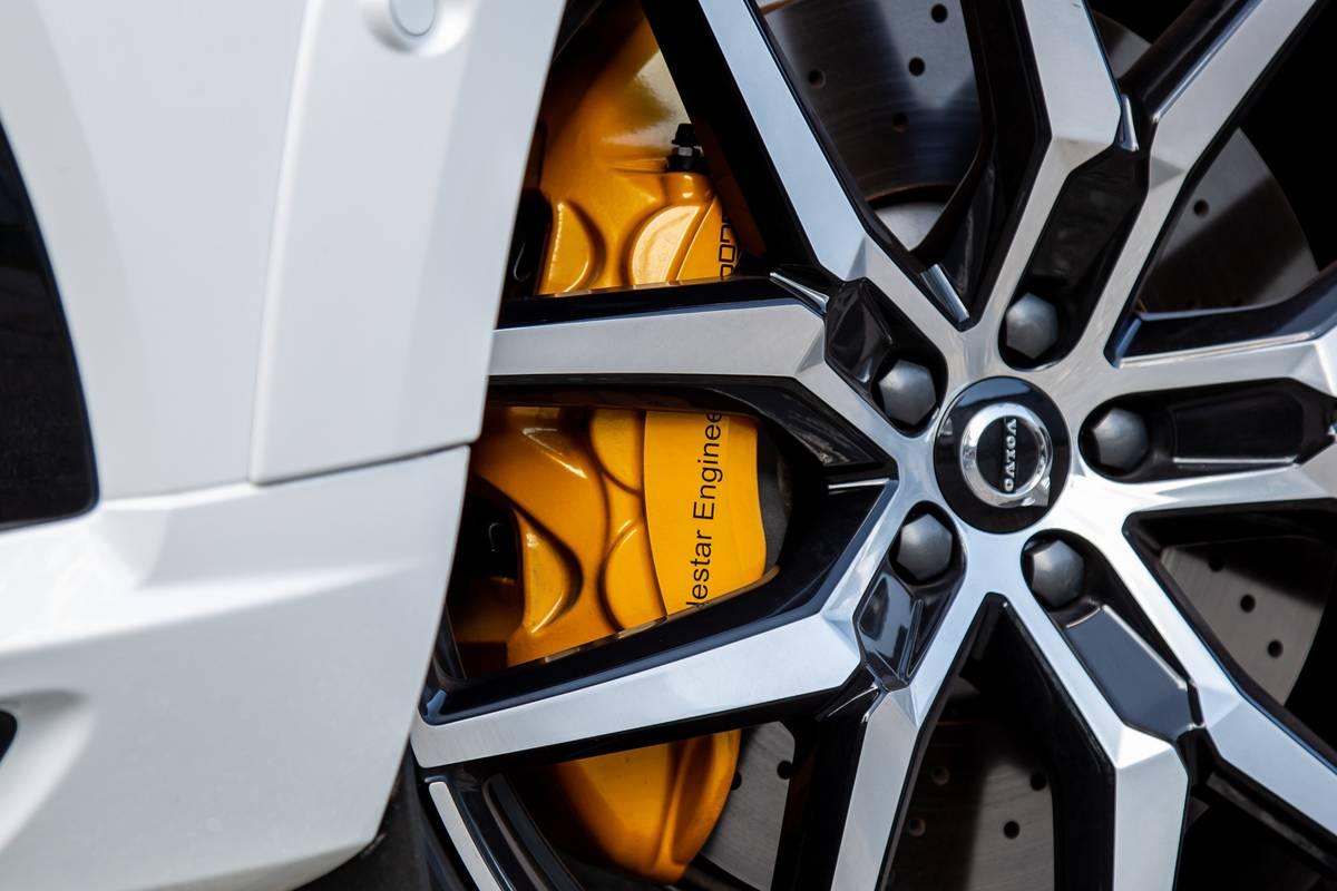 2020 Volvo XC60 T8 Polestar wheel and brake caliper