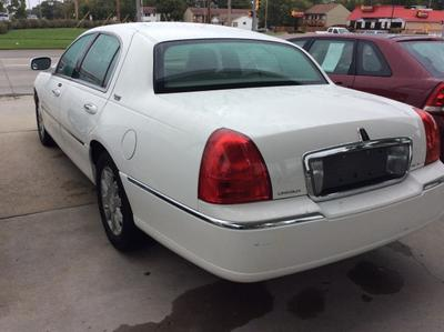 2007 Lincoln Town Car Signature L for sale VIN: 1LNHM82V87Y622898