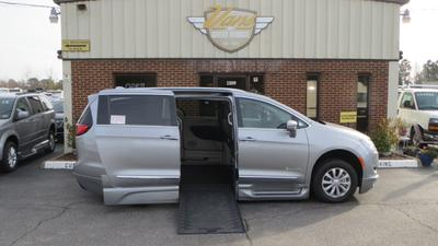2018 Chrysler Pacifica Touring-L for sale VIN: 2C4RC1BG1JR177923