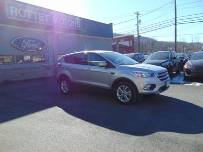 2017 Ford Escape SE for sale VIN: 1FMCU9GD7HUA98569