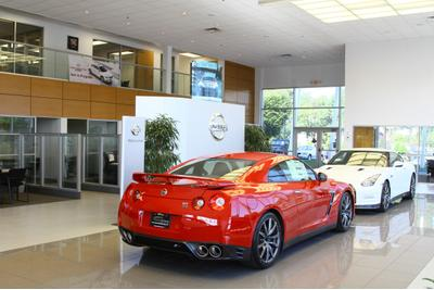 ... Nissan Of Cool Springs Image 2 ...