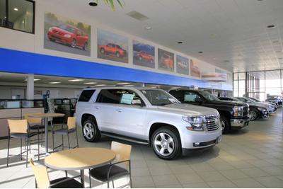 Van Chevrolet Cadillac Image 1