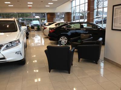 ... New Country Lexus Image 6 ...