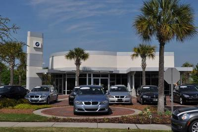 Hendrick Volvo Cars of Charleston Image 2