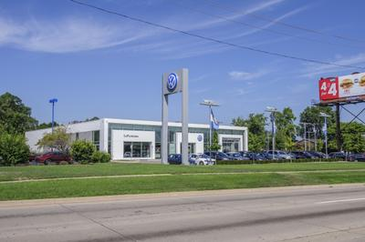 LaFontaine Volkswagen of Dearborn Image 1