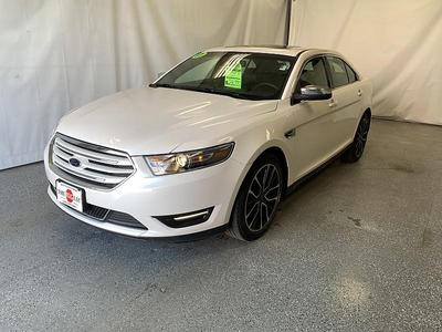 Ford Taurus 2017 for Sale in Moorhead, MN