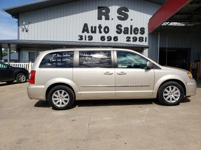 Chrysler Town & Country 2015 for Sale in Lockridge, IA
