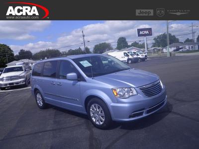 Chrysler Town & Country 2016 for Sale in Greensburg, IN