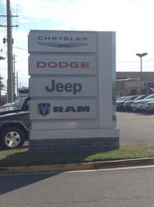 Lindsay Chrysler Dodge Jeep Ram Image 2