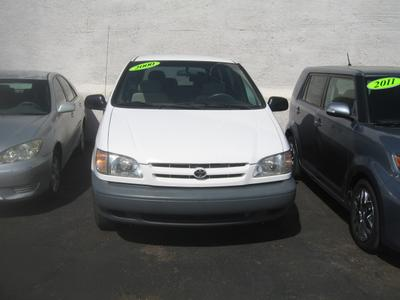 Toyota Sienna 2000 for Sale in Tucson, AZ