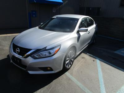 Nissan Altima 2017 for Sale in Mount Pleasant, PA
