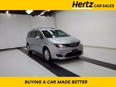 Chrysler Pacifica 2019 for Sale in Sanford, FL